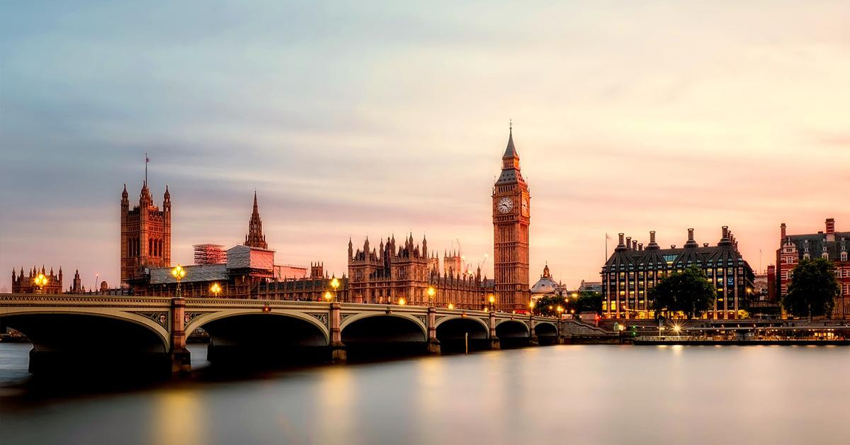london Vysoká škola v Európe? Zadarmo a bez pôžičky!