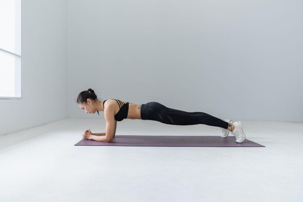active-body-exercise-2294354-1024x683 Minimalistické šetrenie ČASŤ 3: Zdravie