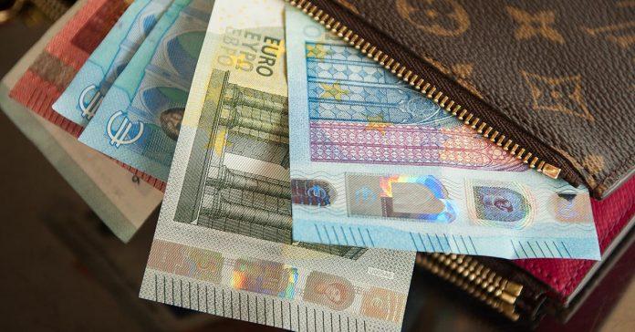 penazenka plna penazi eur