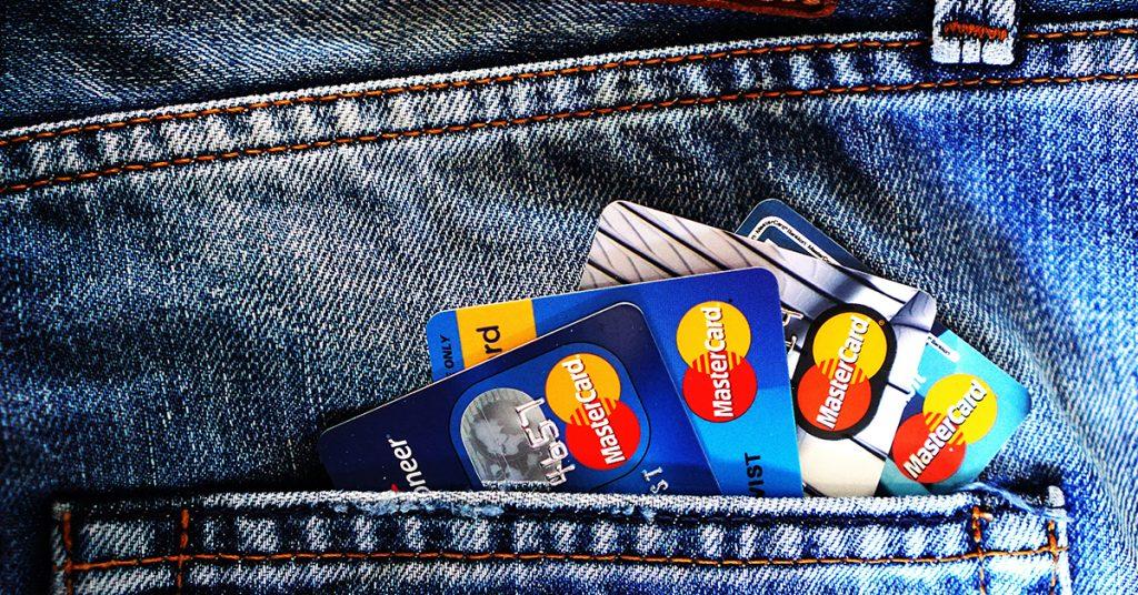 card-1024x536 Ako banky reagujú na koronavírus? Odklad úverov!