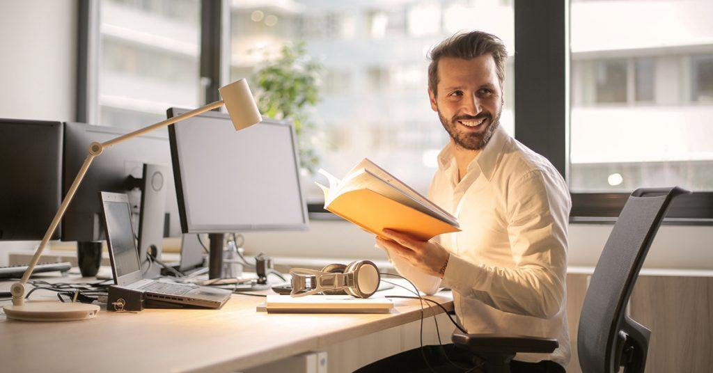 mlady-podnikatel-1024x536 Vzdelávacie možnosti pre začínajúcich podnikateľov