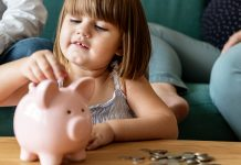 deti hospodaria s peniazmi